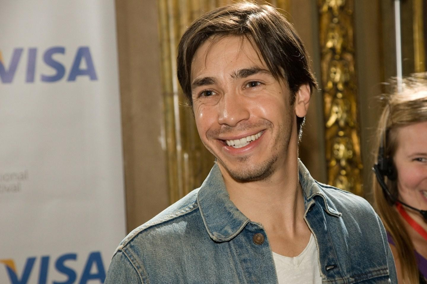 Very Cute Baby Wallpapers Photos Hd Justin Long Smiling Wallpaper Download Free 138863