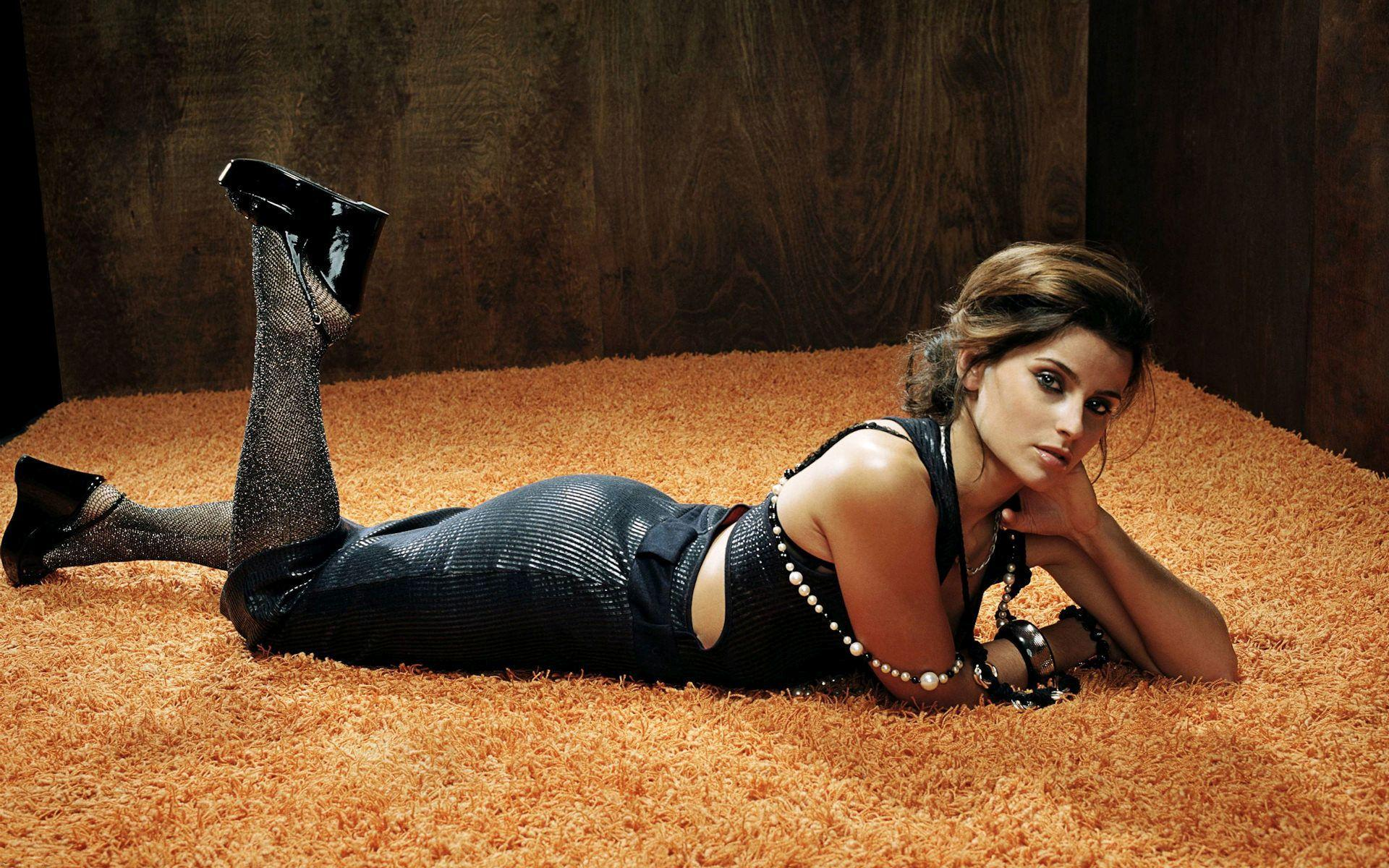 HD Nelly Furtado in a black dress Wallpaper  Download