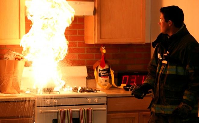 Singapore Elderly woman dies in kitchen flash fire