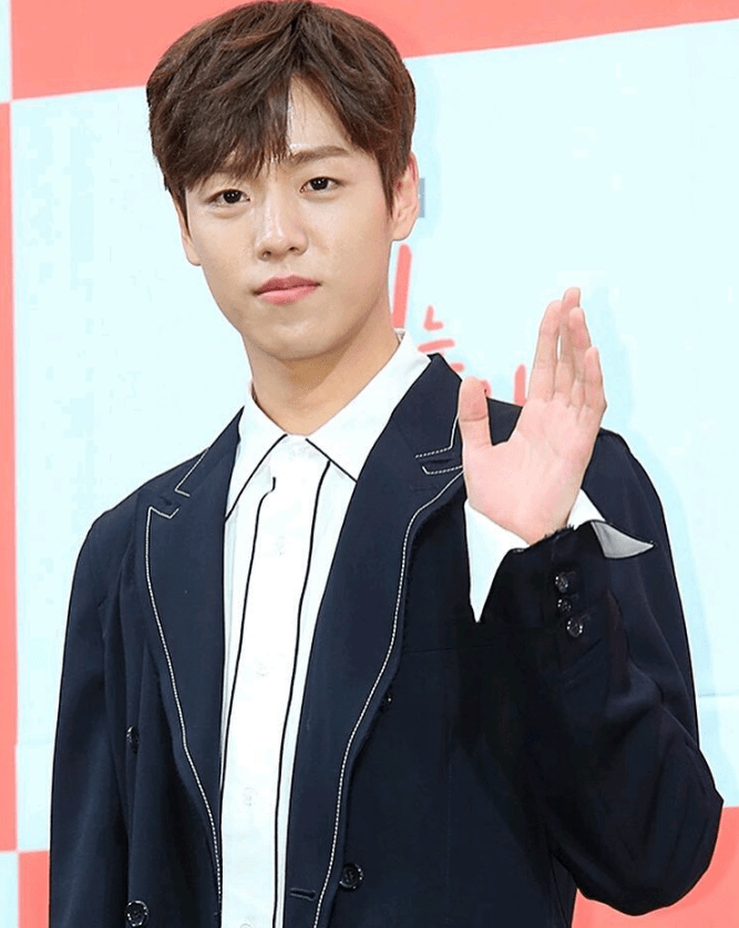Lee Hyun-woo : hyun-woo, Enlisting, Military, February:, Actor, Service, Before, Career