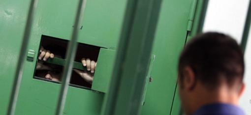 Una cella di sicurezza del carcere di Secondigliano