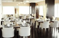 Fancy White Plush Restaurant Chairs Luxury Restourant ...