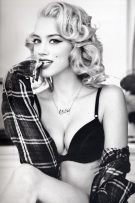 https://i0.wp.com/data.whicdn.com/images/12297785/amber-heard-guess-2011-marilyn-monroe-fall_large.jpg?resize=267%2C400