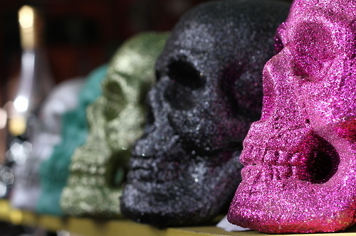 Black-fashion-glitter-pink-skull-favim.com-115219_large