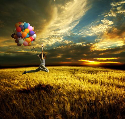 Balloons-beautiful-field-girl-hug-favim.com-136122_large