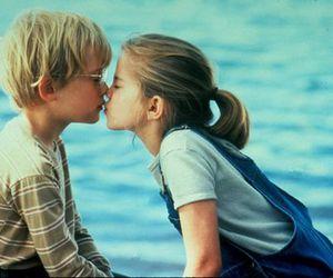 تفسير القبله في المنام و تقبيل شخص في الحلم