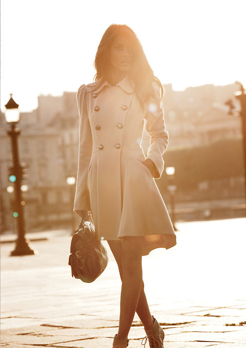 https://i0.wp.com/data.whicdn.com/images/17190230/brown-brunette-buttons-coat-cute-Favim.com-193074_large.jpg