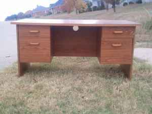 free desk on cl