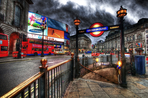 London-hdr-piccadilly-circus-04_large