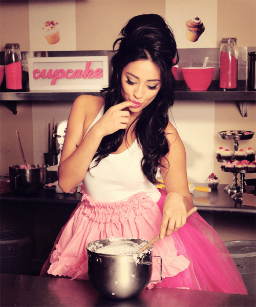 Shay Mitchell Cooking