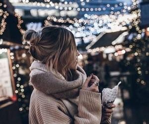 light, girl, and winter -kuva