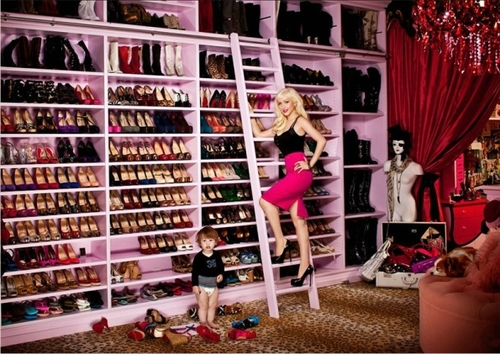 Christina-aguilera-shoe-closet1_large
