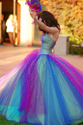 Vestido 15 anos colorido