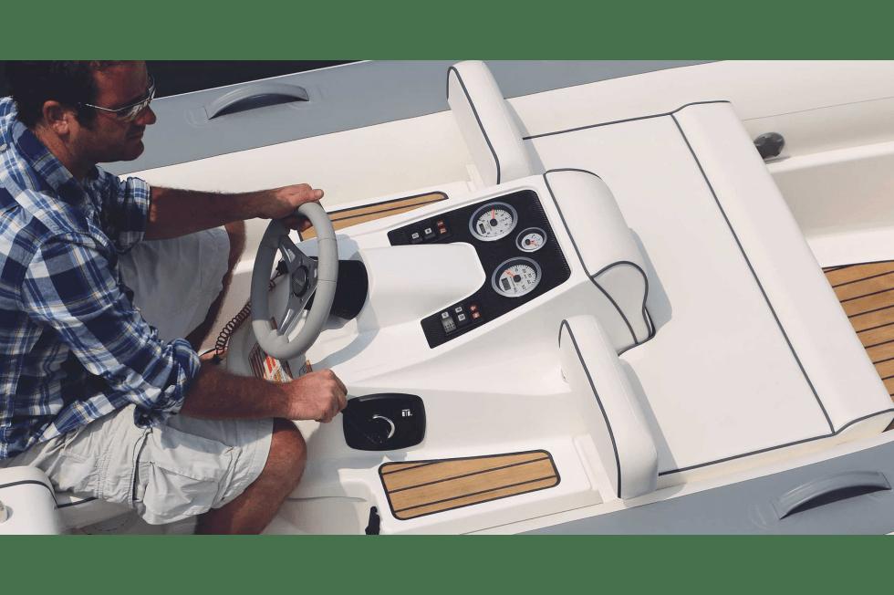 Jefferson Beach Yacht Sales