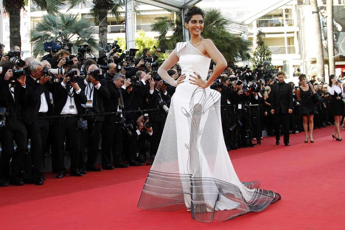 Image result for sonam kapoor cannes 2011