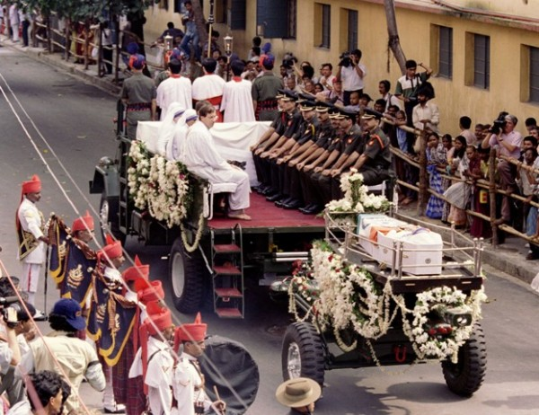 Blessed Mother Teresa 18th Death Anniversary Missionarys Funeral In Pictures Photos