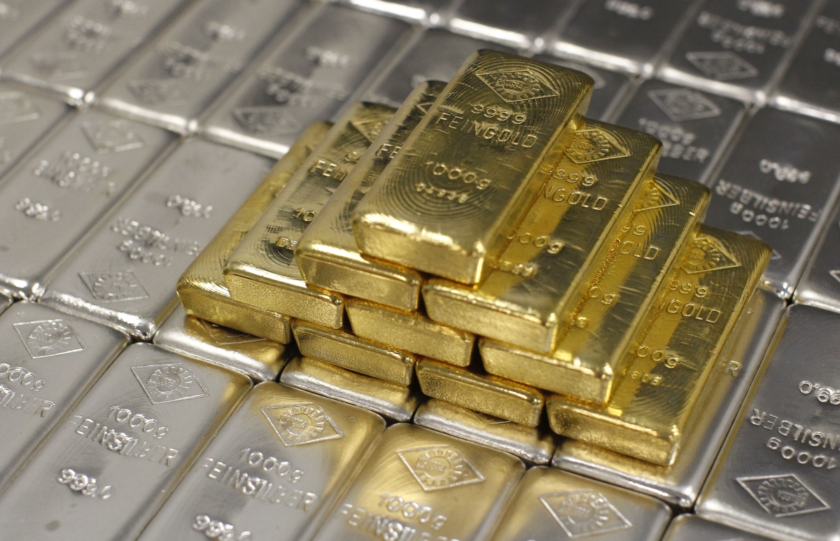 https://i0.wp.com/data1.ibtimes.co.in/en/full/608276/gold-prices-silver-prices-gold-jewellery-silver-jewellery-silver-bars-gold-bars.jpg