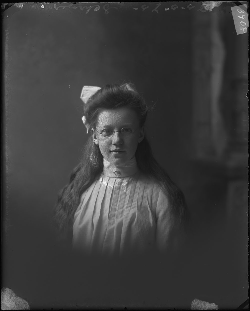 victorian girl with glasses 1902 canada