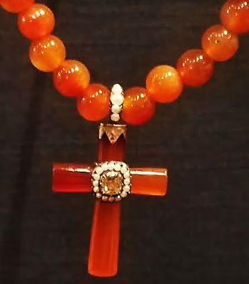Federal-Era-Jewelry-Industry-Mrs-Harrison-Otis-carnelian-cross-1804