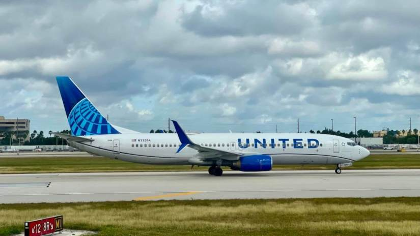 United Airline's Non-vaccinated Employees Have 5 Weeks To Comply