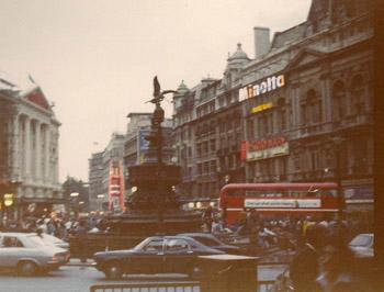 London1977PicadillyCircusImageTVS