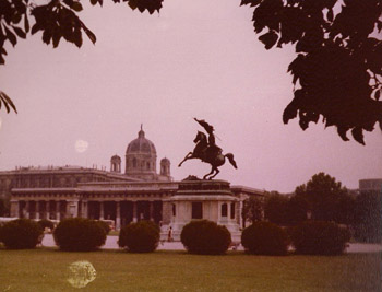 Vienna1977MonumentArchdukeCharlesHeldenplatzImageTVS