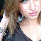 Beatriz Leslies, 30 years old, Vancouver, Canada