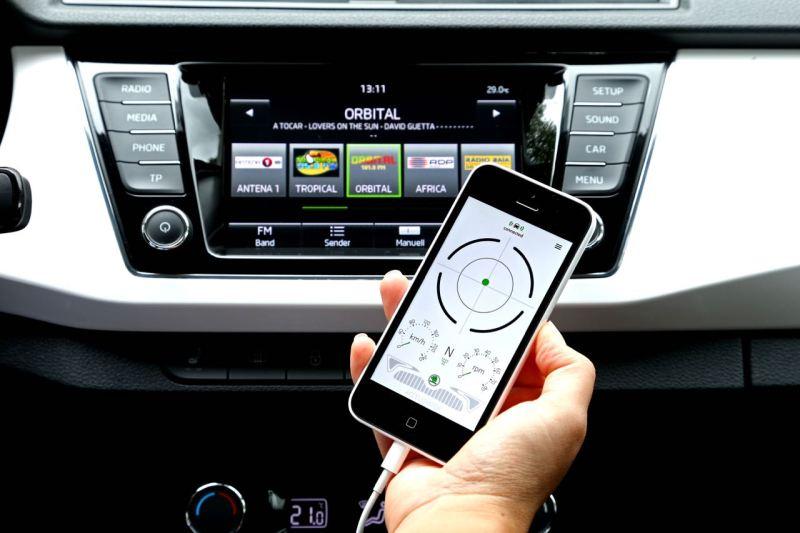 """Connected Car Award für SKODA SmartGate: Für seine innovative Konnektivitätslösung SmartGate erhält SKODA den Connected Car Award 2015 in der Kategorie ,Pionier-Award'. """" Bild: Skoda Auto Deutschland GmbH"""""""