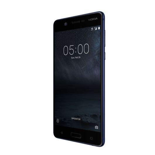 Das neue Nokia 5 im Farbton Tempered Blue. Quelle: HMD