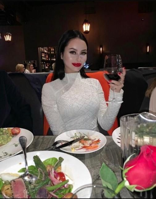 Julia dating a lady
