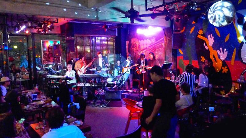 Best Places to hear live Misic and Enjoy Drinks -Bangkok Jazz Bars