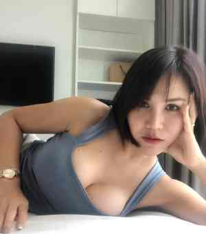 How to hook up with ladyboy in bangkok