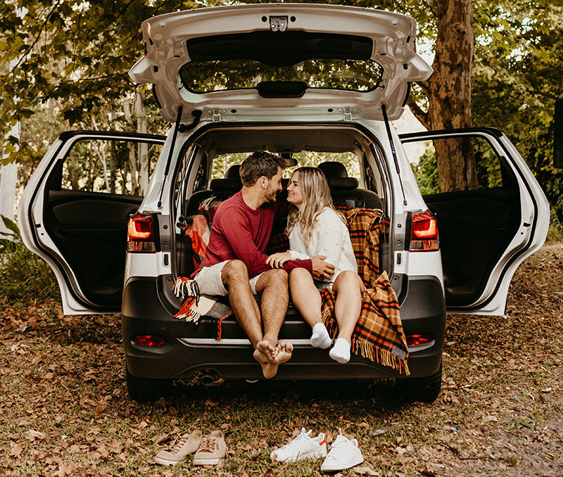 flirty first date questions - couple in back of car
