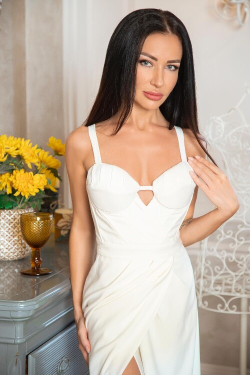 Julia dating marriage courting