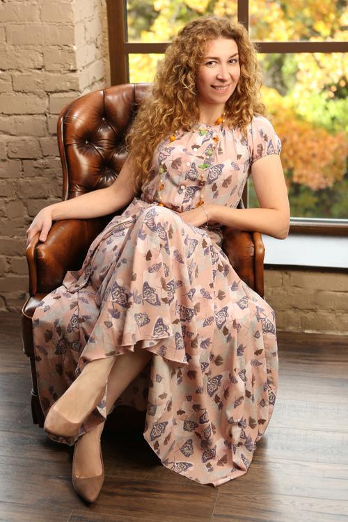 Anna russian bridesmaid