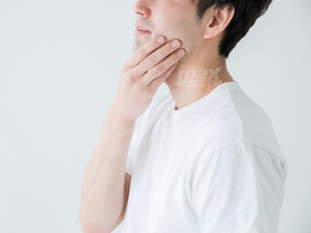 夏の汗でヒゲを剃った後のカミソリ負けが悪化してしまう方は脱毛を真剣に検討してみましょう