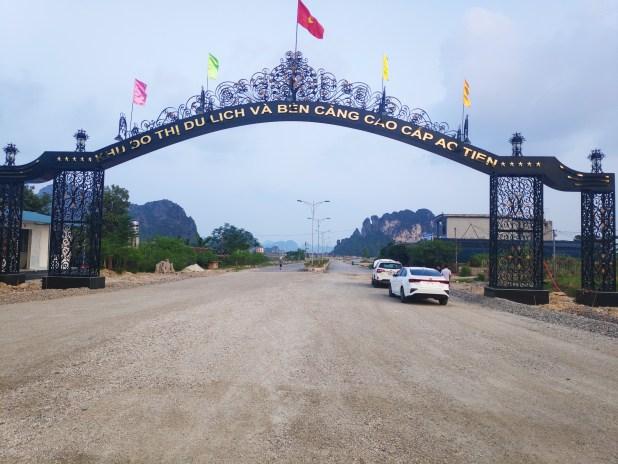 Cổng vào dự án khu đô thị Ao Tiên Vân Đồn