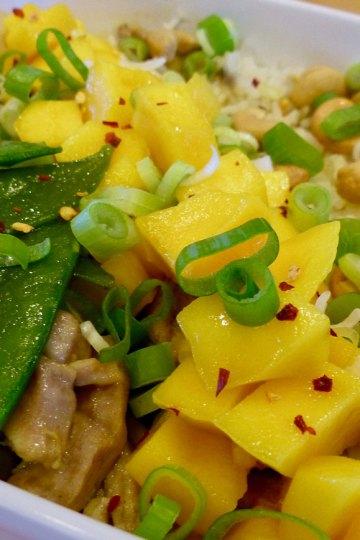 Tante Door met mango en peultjes