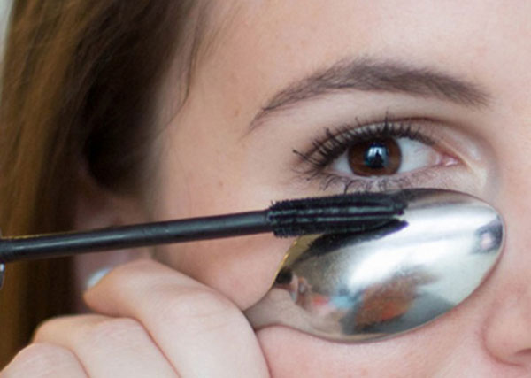 13 mẹo chuốt mascara tuyệt vời cho đôi mắt thêm hoàn hảo