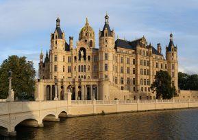 Weekly Photo: Schweriner Schloss (Schwerin Castle)   Dauntless Jaunter  Travel Site