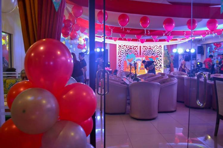 (Mae's Travel Themed party by PREP. This party hosted 50 guests.)
