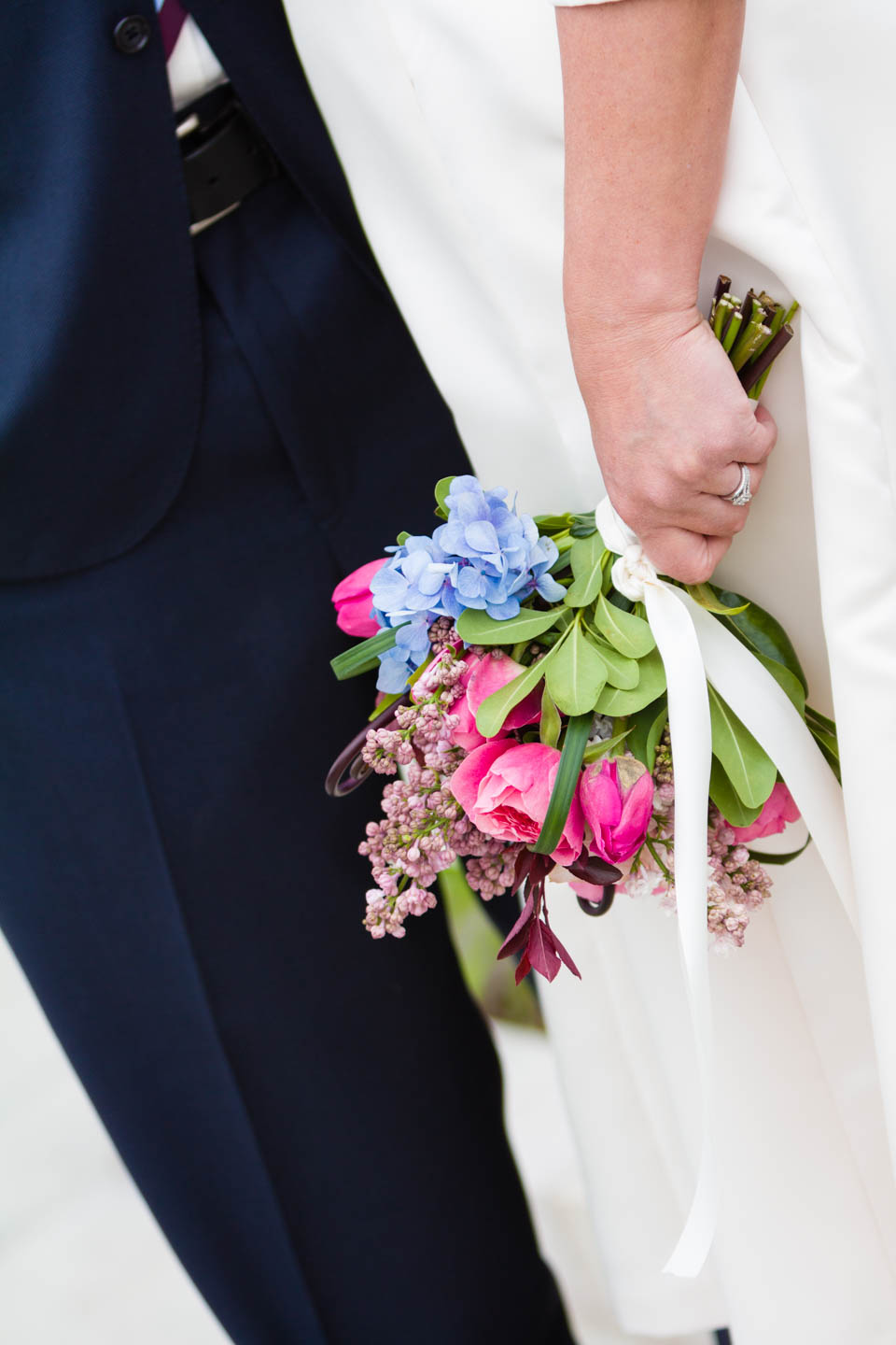 Bride holds the bouquet