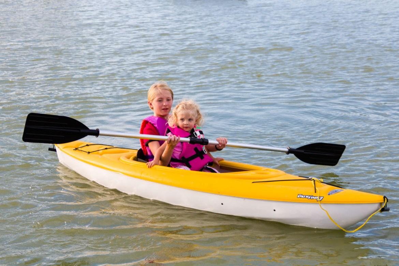 Maren and Eve go kayaking