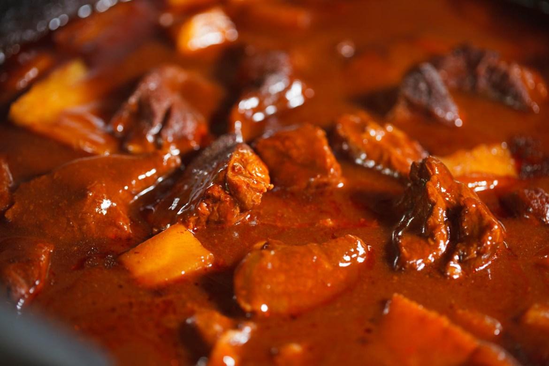 Dutch oven steak n potato stew