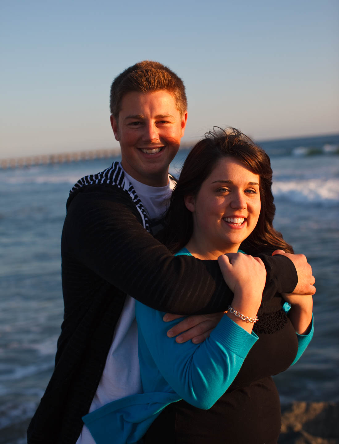 Lisa & Noah's engagement photos at the beach in Newport