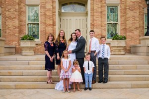 Wedding couple with the grandkids