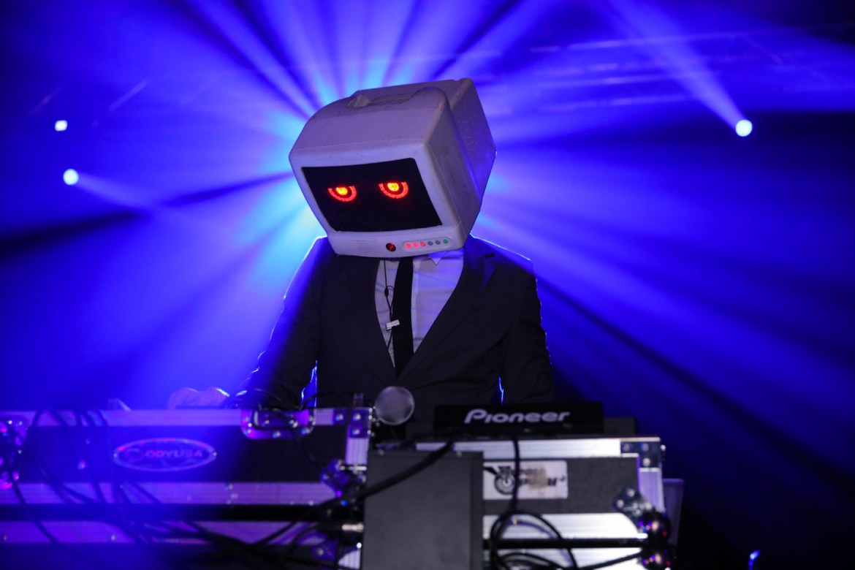 DJ Computer Head