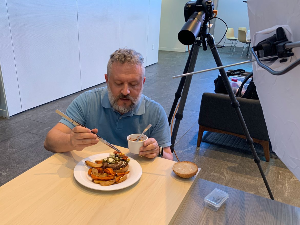 dav.d plays the role of food stylist