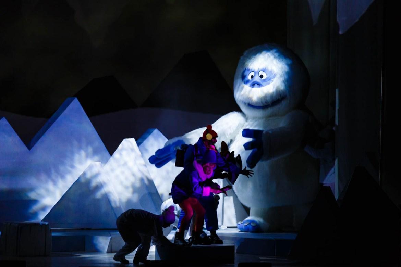 Yukon Cornelius battles the snow beast