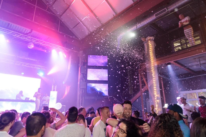 Foam, lights, and dancing